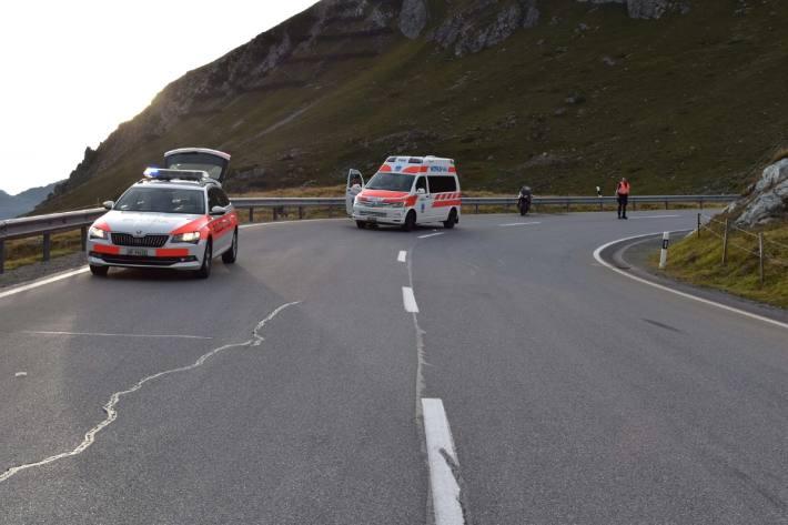 In Bivio GR ist gestern auf der Julierstrecke eine Motorradlenkerin verunfallt.
