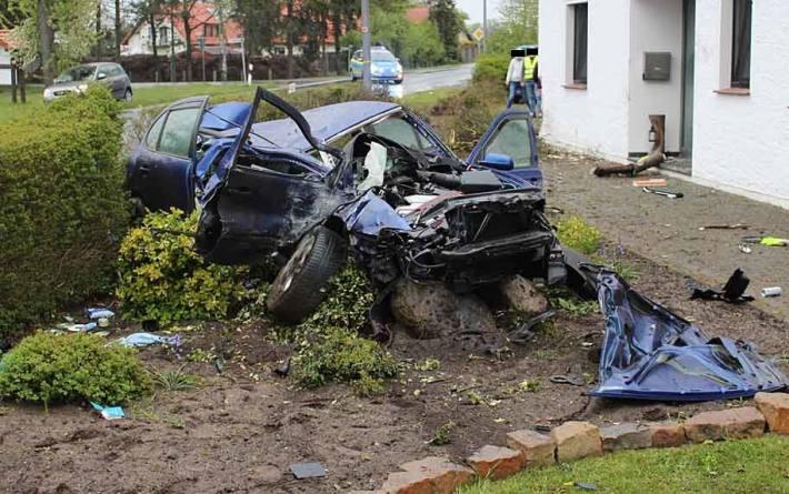 24-Jähriger verliert bei Überholmanöver Kontrolle über Auto in Stemwede