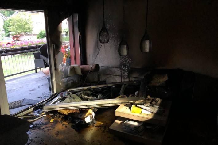 In Niederurnen GL brannte es gestern in einer Wohnung.