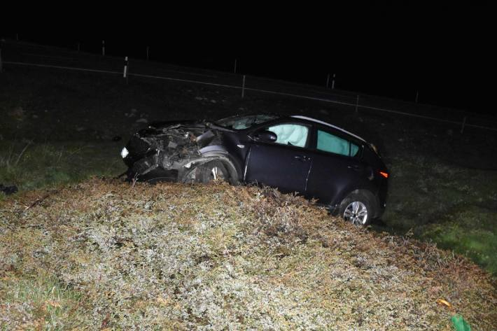 Auf der Julierstrecke ist ein Auto letzte Nacht beio Bivio GR von der Strecke abgekommen.