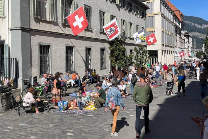 """Freiheits-Picknick"""" auf der Poststrasse und der Quaderwiese"""