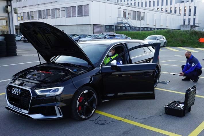 In Granges-Paccot FR wurden mehrere Fahrzeuglenker angezeigt.
