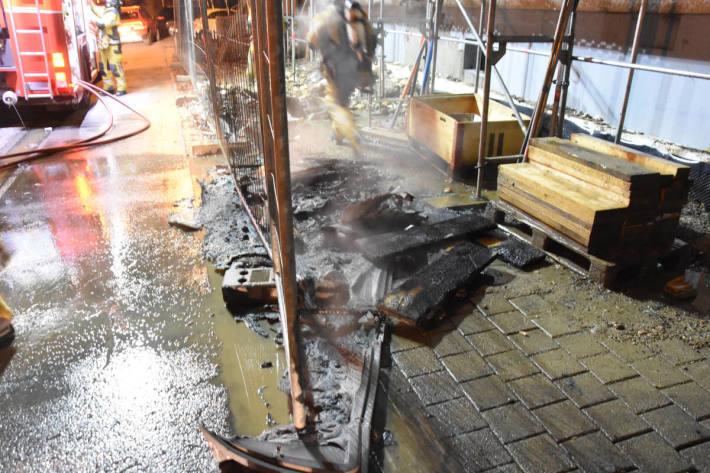 Baustellen-Toilette in Wil in Brand gesteckt