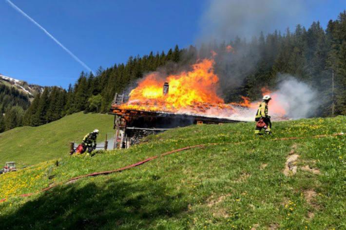 Die Alphütte wurde komplett zerstört.