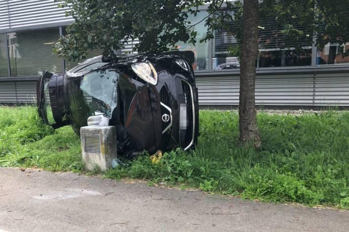 In Wängi TG verletzte sich eine Autolenkerin.