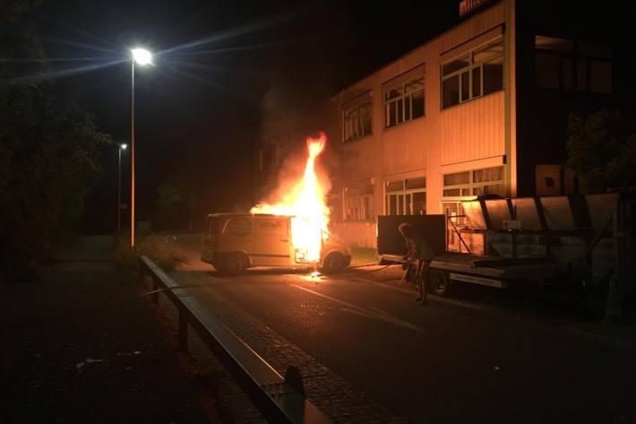 In dieser Nacht brannte in Arlesheim ein Lieferwagen.