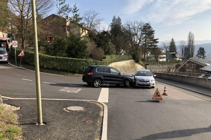 In Füllinsdorf BL wurde ein Auto übersehen.