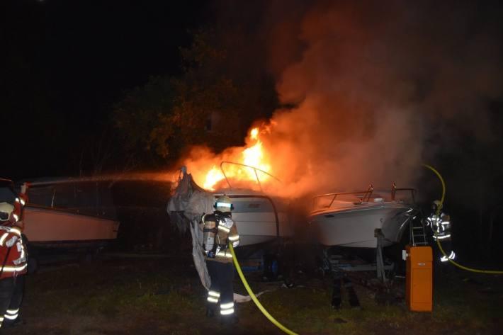 In Bellach SO brannten gestern einige Boote.