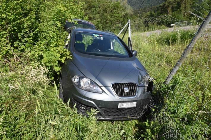 In Bonaduz GR kam ein Auto von der Strasse ab.