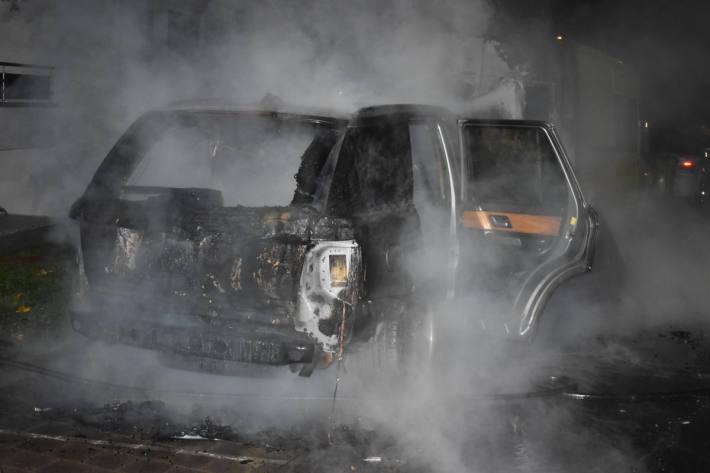 Auto komplett ausgebrannt in Emmenbrücke