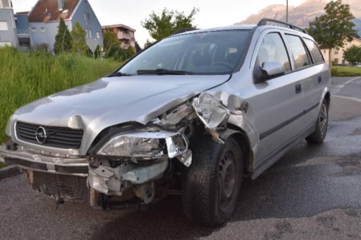 In Schaan FL verunfallte gestern eine Frau mit dem Auto in fahrunfähigem Zustand.