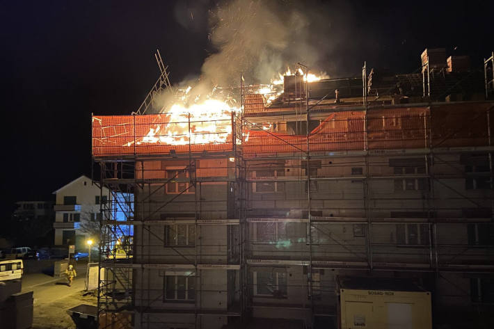 Brand verursacht hohen Sachschaden in Winterthur