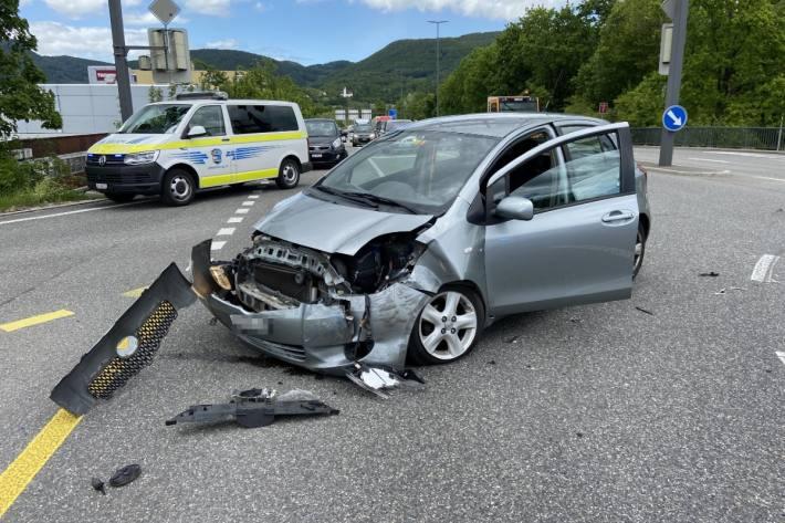 Gestern ist eine Frau bei einem Unfall in Aarau verletzt worden.