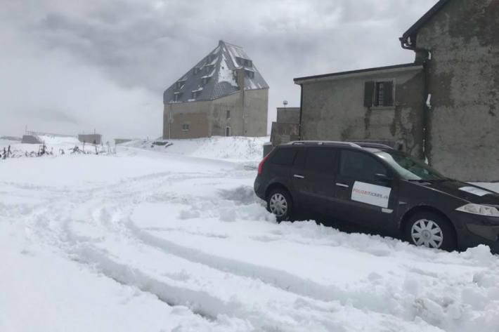 Der Gotthardpass ist wegen Schneefalls gesperrt. (Symbolbild)