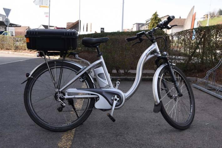 Der E-Bikefahrer wurde aufgrund seiner Verletzungen ins Spital überwiesen