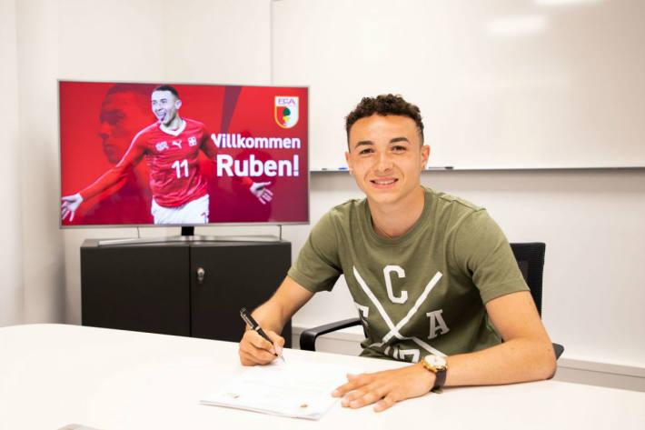 Ruben Vargas unterschreibt beim FC Augsburg.