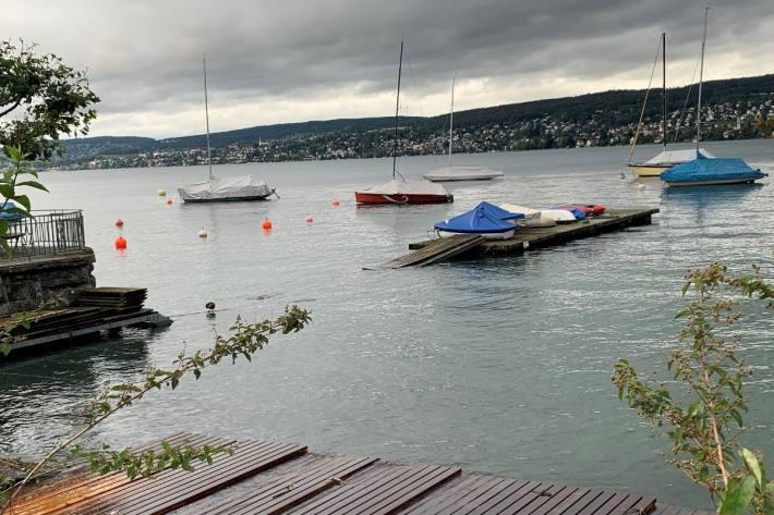 Das Hochwasser am Zürichsee ist noch nicht vorbei.