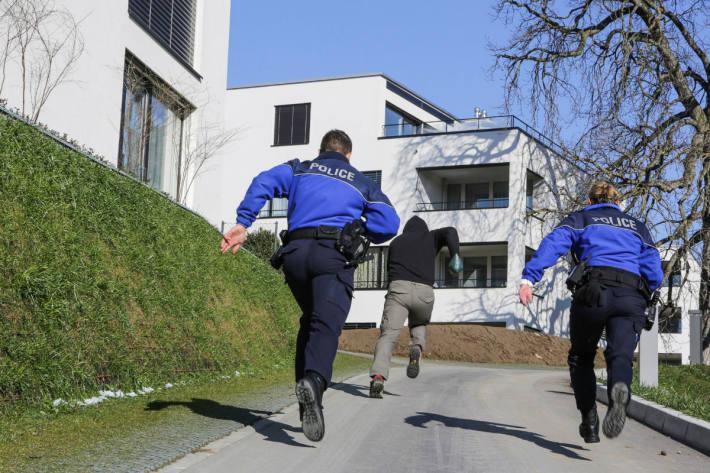 In Estavaer-le-Lac FR wurde ein Einbrecher gefasst
