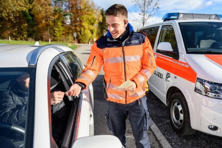 Die Zürcher Kantonspolizei führte Geschwindigkeitskontrollen durch.