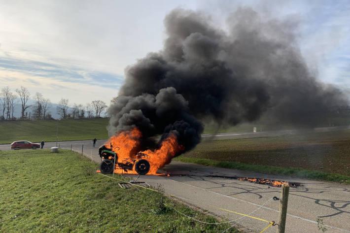 Brennendes Quad sorgte für Einsatz der Feuerwehr in Bözberg