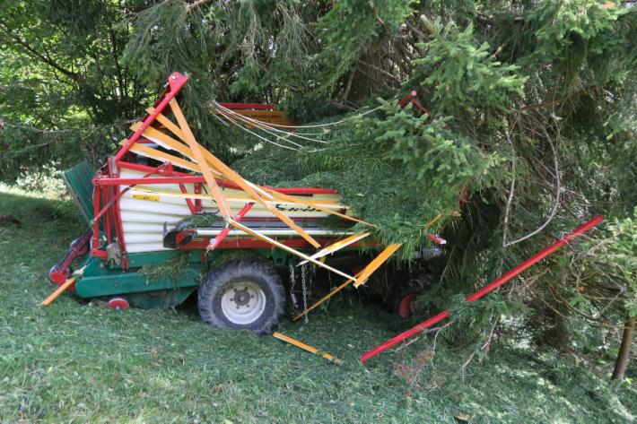 Gestern ist in Näfels GL ein Landwirt schwer verunglückt.