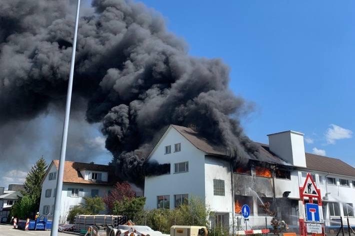 In Däniken SO brannte es heute in einem Firmengebäude.