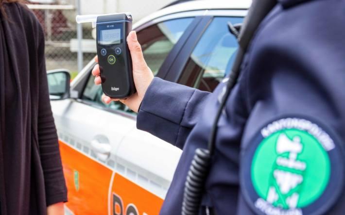 Mehrere fahrunfähige Verkehrsteilnehmer im Kanton St. Gallen erwischt. (Symbolbild)
