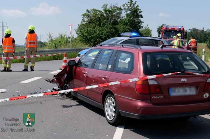Motorradfahrer bei Verkehrsunfall in Neustadt a. d. Aisch tödlich verletzt