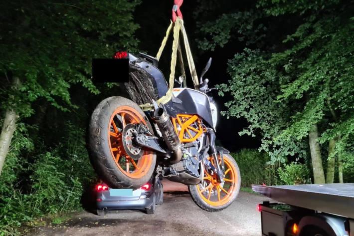 Motorrad wird sichergestellt, Fahrer konnte flüchten