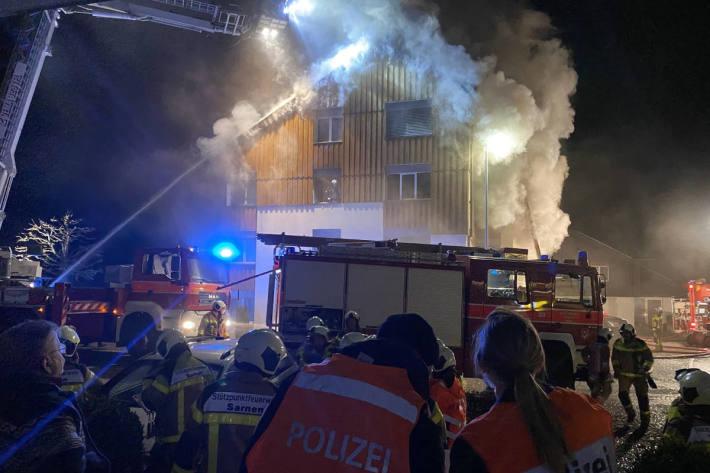 Wohnungsbrand in Mehrfamilienhaus in Stalden OW