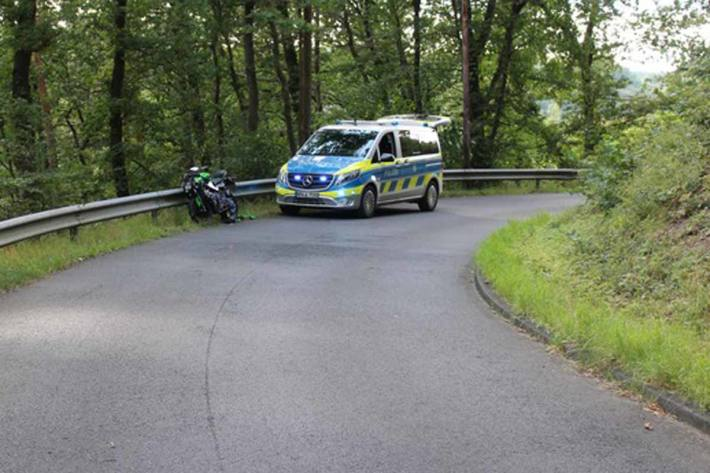 In Eitorf  prallte der 16-jährige Eitorfer gegen das Auto eines entgegenkommenden VW-Fahrers aus dem Raum Altenkirchen