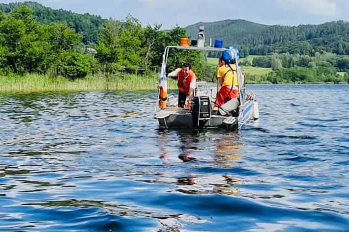 In St. Georgen am Längsee wurde das Seegelboot zu seinem Liegeplatz ins Strandbad Längsee geschleppt