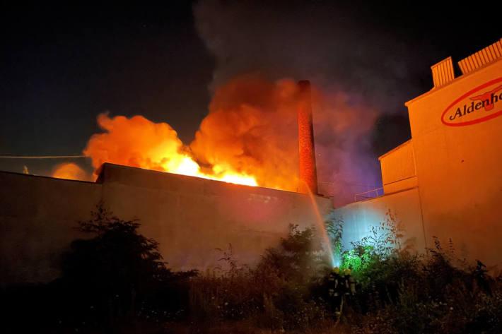 Bäckereibetrieb in wird bei Brand vollkommen zerstört in Gelsenkirchen