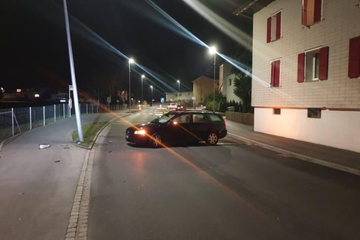Alkohol und Ablenkung führten gestern in Muri AG zu einem Unfall.