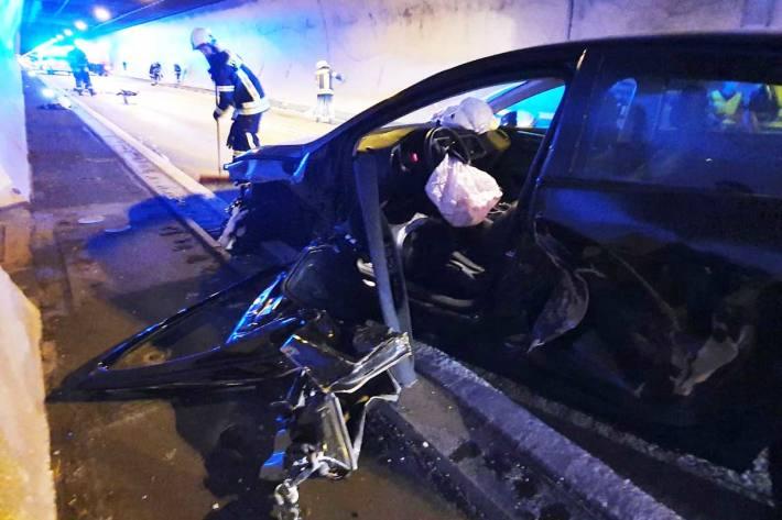 Im Lermooser Tunnel kam es zum Zusammenstoß der drei Fahrzeuge