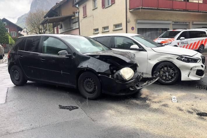 In Netstal GL wurde ein vortrittsberechtigtes Auto übersehen.
