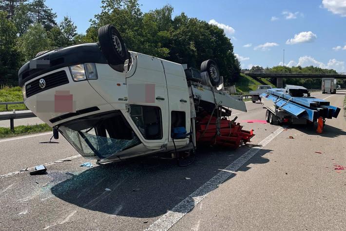 Beim Unfall wurde in Sirnach eine Person leicht verletzt