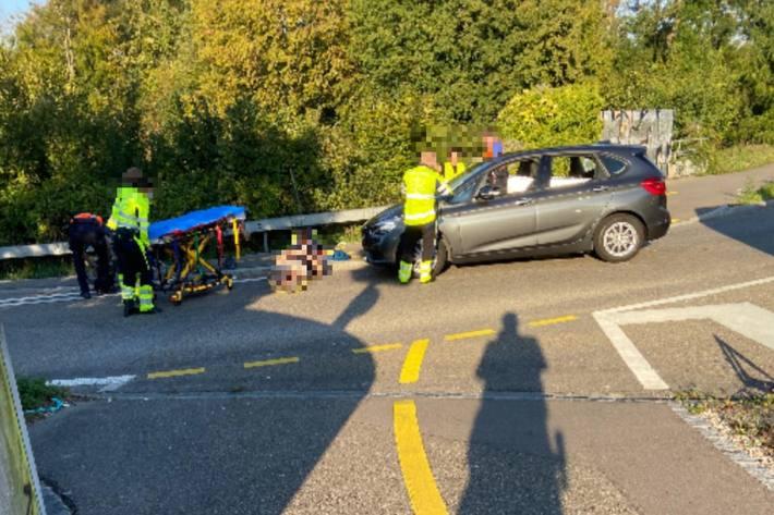 Gestern ist ein E-Bike-Fahrer in Muttenz BL schwer verletzt worden.
