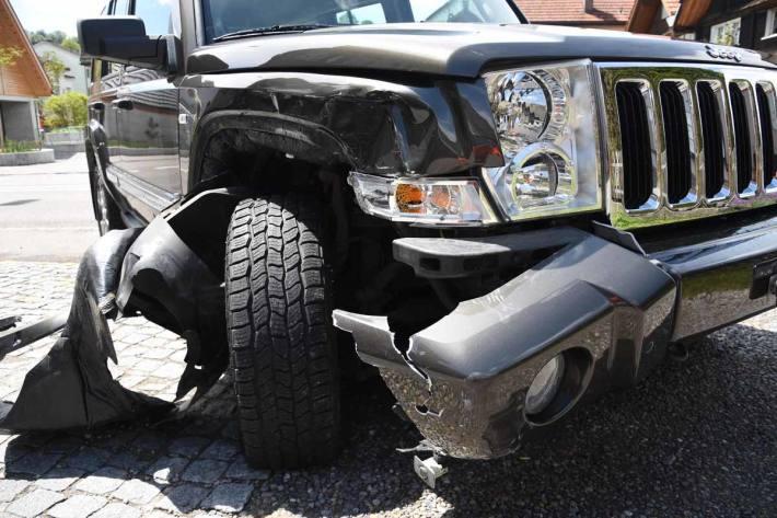 Verletzte Person bei Verkehrsunfall in Flawil
