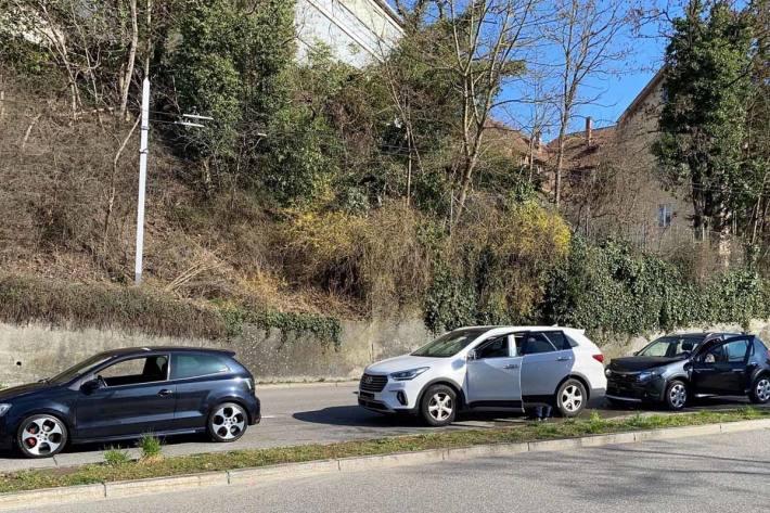 An den Fahrzeugen entstand in Schaffhausen beträchtlicher Sachschaden