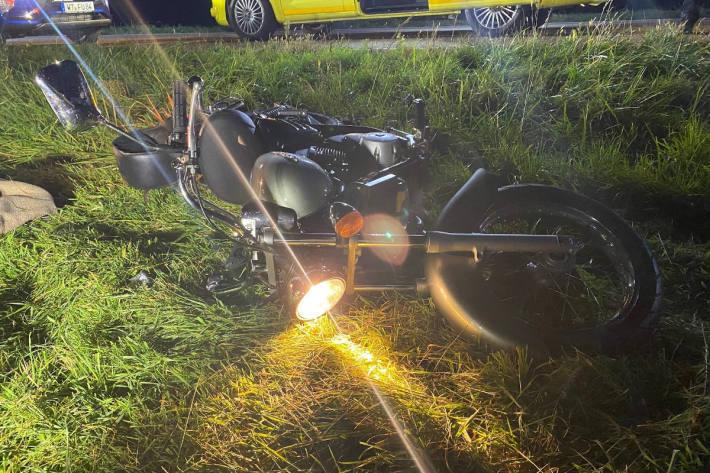 Mit Motorrad gestürzt und verletzt ins Spital bei Möhlin