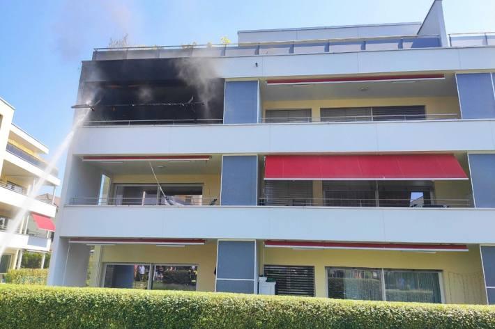 In Oftringen AG brannte gestern ein Balkon.