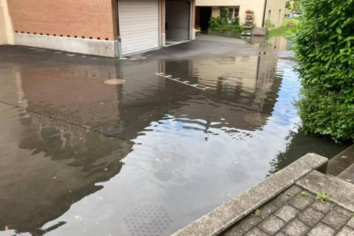 Das Hochwasser hat in Flüelen UR auch für Probleme gesorgt.