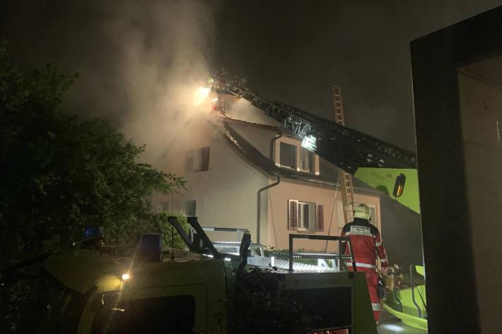 Brand verursacht grossen Sachschaden in Affoltern am Albis