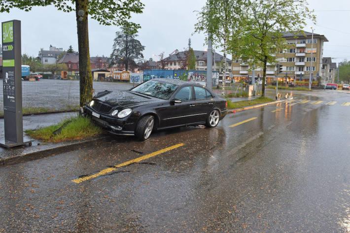 Zeugenaufruf nach Verkehrsunfall in Zürich