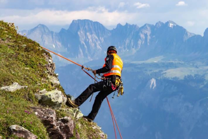 In Gretschins SG ist gestern beim Klettern ein junger Mann schwer verunfallt. (Symbolbild)
