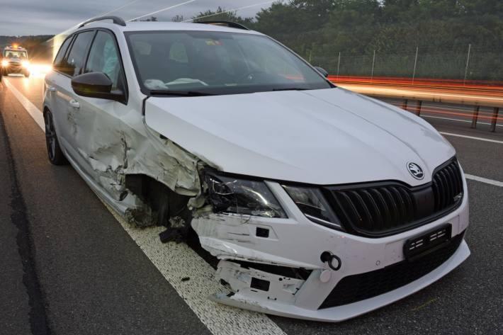 Beim Unfall in Knutwil LU wurde der Skoda massiv beschädigt.