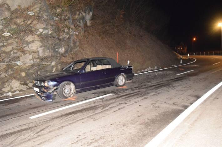In Reute AR ist gestern ein Autolenker in einem BMW verunfallt.