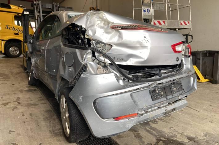 Der Autolenker im Mitsubishi Colt hatte keinen gültigen Führerschein.
