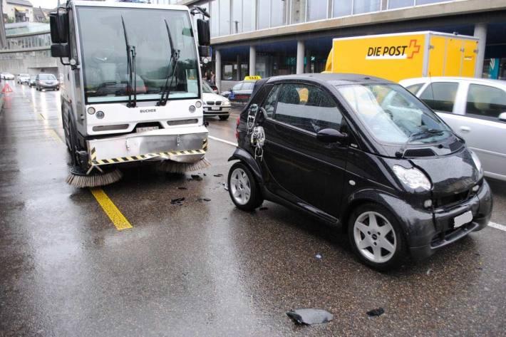 An allen Unfallfahrzeugen entstand in Schaffhausen Sachschaden